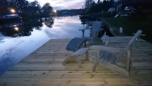 terras aan het water